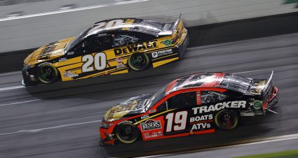 NASCAR betting: Pro handicappers debate where to find value on Playoffs oddsboard