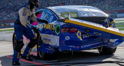 NASCAR hosts call with members of both teams after latest Chase Elliott-Kevin Harvick incident
